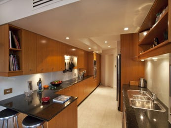 Galley kitchen designs with granite and breakfast bar for Galley kitchen designs with breakfast bar
