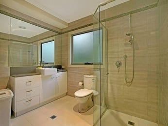 Frameless glass in a bathroom design from an Australian home - Bathroom Photo 415516