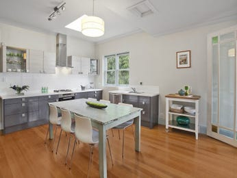 Glass in a kitchen design from an Australian home - Kitchen Photo 8012733
