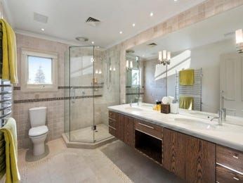 Frameless glass in a bathroom design from an Australian home - Bathroom Photo 17178585