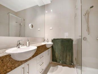 Ceramic in a bathroom design from an Australian home - Bathroom Photo 8815737