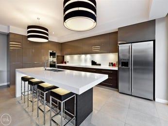 Modern open plan kitchen design using wood panelling - Kitchen Photo 7238101