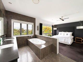 Ceramic in a bathroom design from an Australian home - Bathroom Photo 7229253