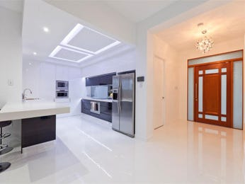 Modern galley kitchen design using polished concrete - Kitchen Photo 1531050