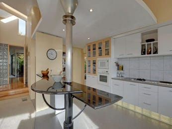 Modern island kitchen design using polished concrete - Kitchen Photo 1536708