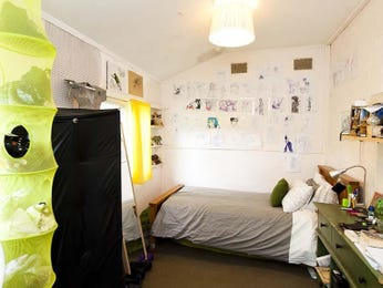 Green bedroom design idea from a real Australian home - Bedroom photo 8386497