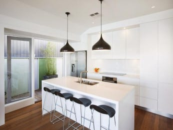 Frosted glass in a kitchen design from an Australian home - Kitchen Photo 16146785