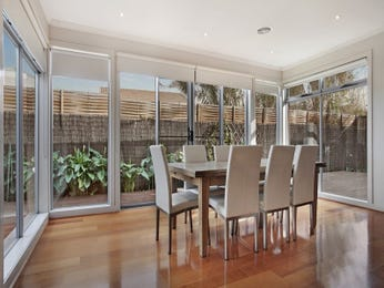 Photo of a dining room design idea from a real Australian house - Dining Room photo 16020621