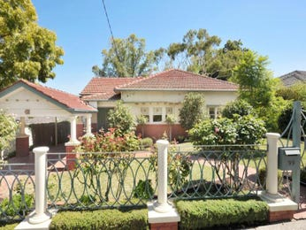 Photo of a brick house exterior from real Australian home - House Facade photo 356745