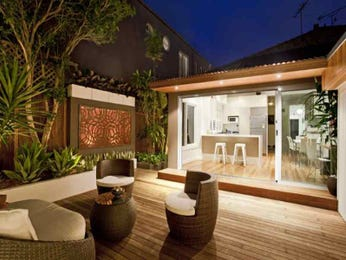 Outdoor living design with deck from a real Australian home - Outdoor Living photo 295682