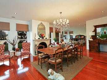 Photo of a dining room design idea from a real Australian house - Dining Room photo 8636621