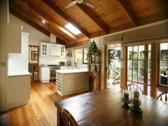 Hardwood in a kitchen design from an Australian home - Kitchen Photo 880150