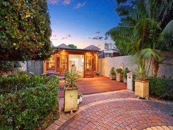 Photo of a brick house exterior from real Australian home - House Facade photo 1042975