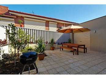 Outdoor living design with bbq area from a real Australian home - Outdoor Living photo 297217