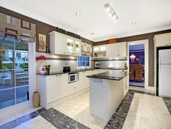 Classic island kitchen design using marble - Kitchen Photo 1437098