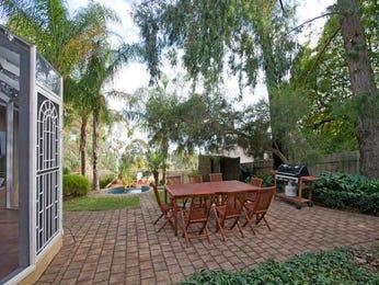 Indoor-outdoor outdoor living design with balcony & fountain using brick - Outdoor Living Photo 1590520