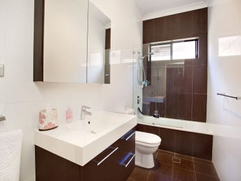 Bathroom ideas with slate in blue brown green red and - Red and yellow bathroom ideas ...