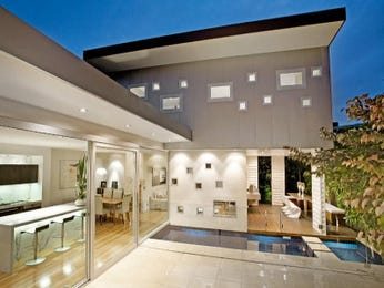 Photo of a glass house exterior from real Australian home - House Facade photo 1089635