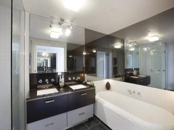 Modern bathroom design with twin basins using chrome - Bathroom Photo 1570053