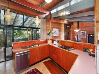 Ceiling skylight in a kitchen design from an Australian home - Kitchen Photo 1241403