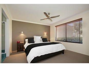 Retro bedroom design idea with carpet & sash windows using grey colours - Bedroom photo 948835
