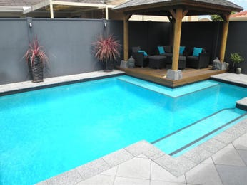 Photo of a geometric pool from a real Australian home - Pool photo 780999