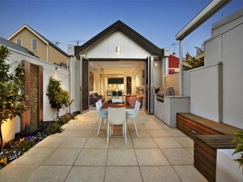 Outdoor living design with outdoor dining from a real Australian home - Outdoor Living photo 629810