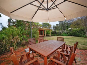 Outdoor living design with outdoor dining from a real Australian home - Outdoor Living photo 1554610