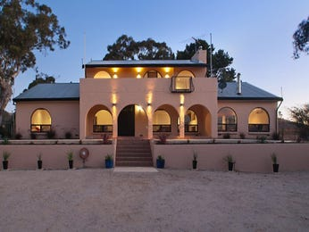 Photo of a sandstone house exterior from real Australian home - House Facade photo 1086001