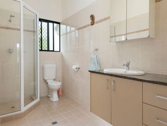 Tiles in a bathroom design from an Australian home - Bathroom Photo 1064839
