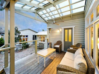 Outdoor living design with balcony from a real Australian home - Outdoor Living photo 1569941