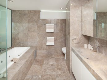Glass in a bathroom design from an Australian home - Bathroom Photo 1305497