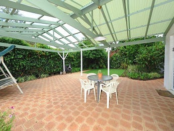 Outdoor living design with outdoor dining from a real Australian home - Outdoor Living photo 826381