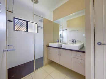 Glass in a bathroom design from an Australian home - Bathroom Photo 1123531