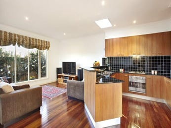 Floorboards in a kitchen design from an Australian home - Kitchen Photo 1353435