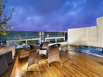 Outdoor living design with balcony from a real Australian home - Outdoor Living photo 7871149