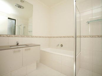Ceramic in a bathroom design from an Australian home - Bathroom Photo 563958