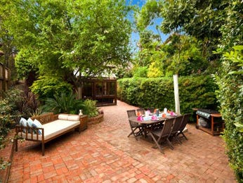 Outdoor living design with bbq area from a real Australian home - Outdoor Living photo 302184
