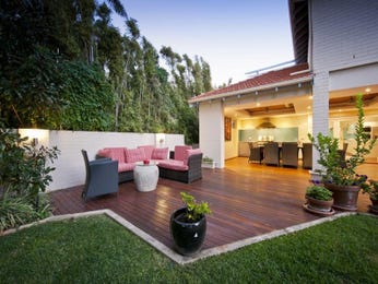 Outdoor living design with retaining wall from a real Australian home - Outdoor Living photo 8302085