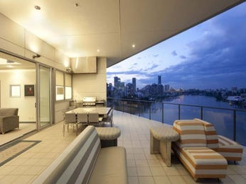 Outdoor living design with balcony from a real Australian home - Outdoor Living photo 2292593