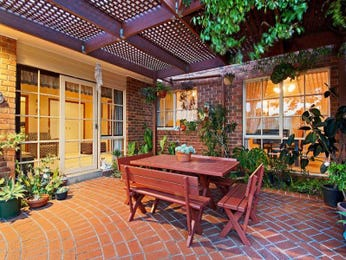 Enclosed outdoor living design with outdoor dining & outdoor furniture setting using brick - Outdoor Living Photo 1489790