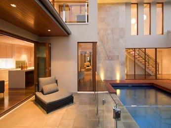 Geometric pool design using brick with verandah & decorative lighting - Pool photo 305498