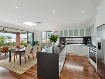 Modern kitchen-dining kitchen design using floorboards - Kitchen Photo 16669305