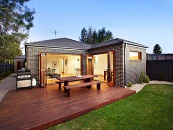 Outdoor living design with bbq area from a real Australian home - Outdoor Living photo 391372