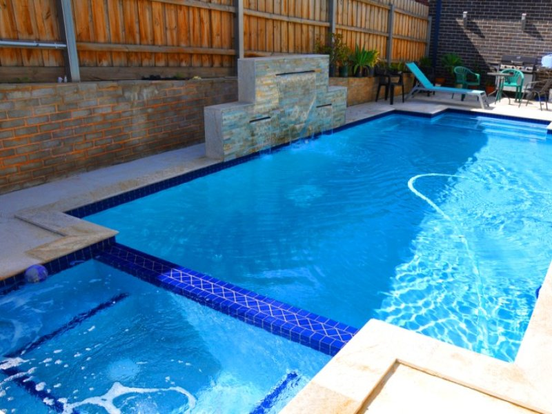 Swim Spa Pool Design Using Brick With Pool Fence Outdoor