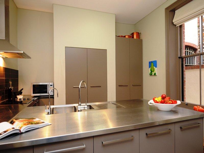 cucina_moderna_acciaio