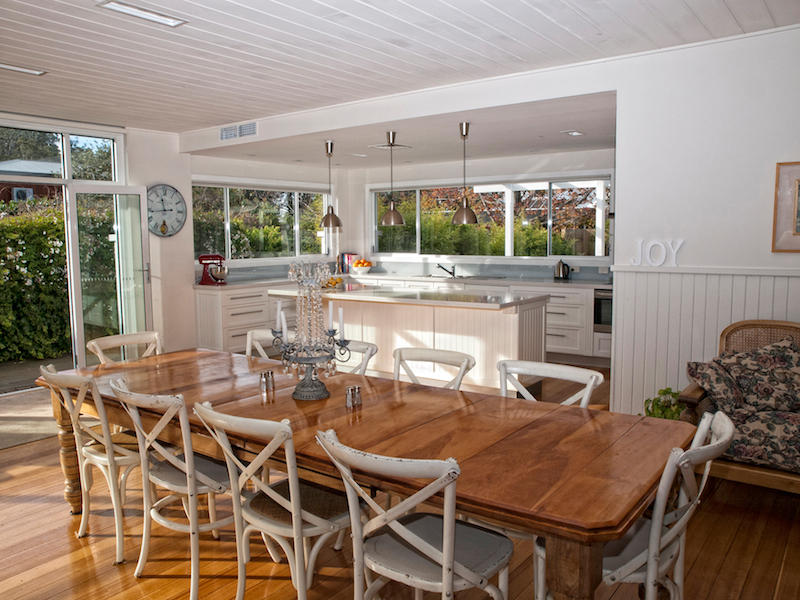 Classic Dining Room Idea With Floorboards Amp Bay Windows