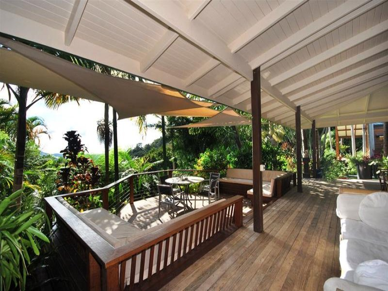 Multi Level Outdoor Living Design With Balcony Amp Shade