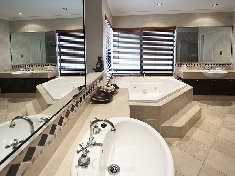 Asian Inspired Bathroom Design With Claw Foot Bath Using Frosted Glass    Bathroom Photo 114495