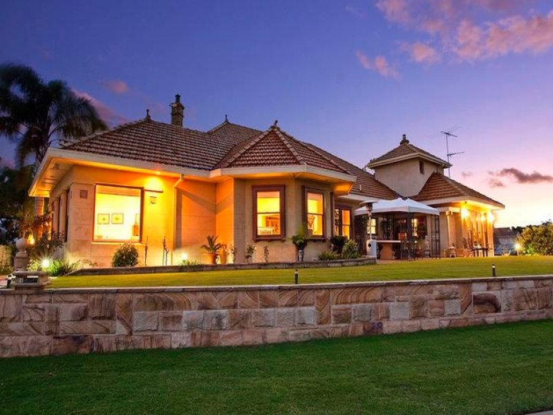 Photo of a stone house exterior from real Australian home - House Facade photo 361347